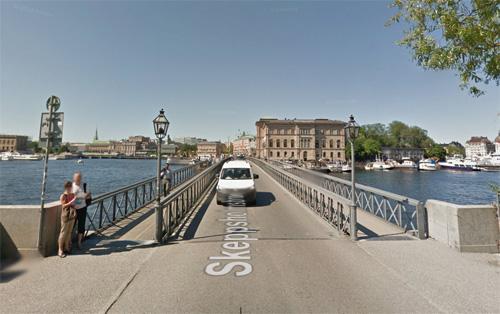 2016 - Skeppsholmsbron in Stockholm (Google Streetview)