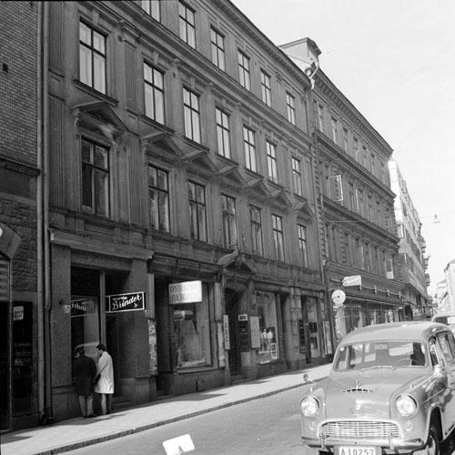 1962 - Grev Turegatan 15 - 17 in Stockholm (http://www.stockholmskallan.se/)