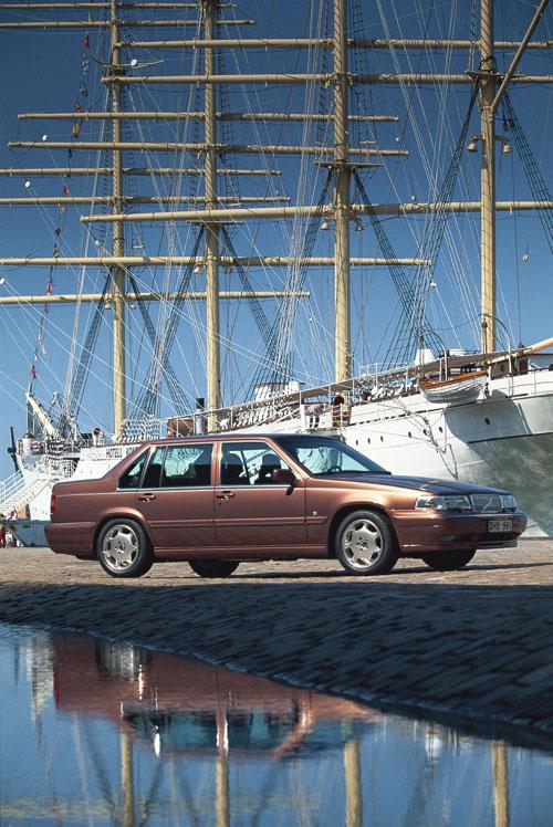 1997 – Volvo S90