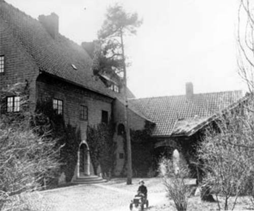 1920 - Villa Roskull on Lidingö near Stockholm (Photo from Lidingö Stadsarkiv)