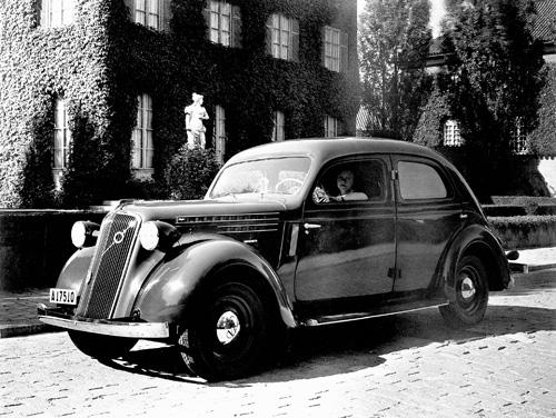 1937 - Volvo PV51-52