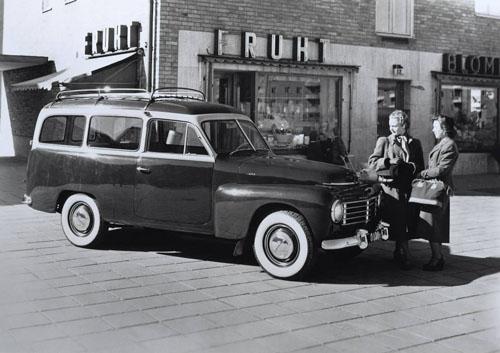 1953 - Volvo PV445 at Bjurslätts Torg in Göteborg