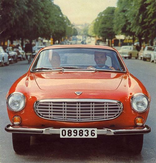 1968 - Volvo P1800 S at Avenyn in Göteborg