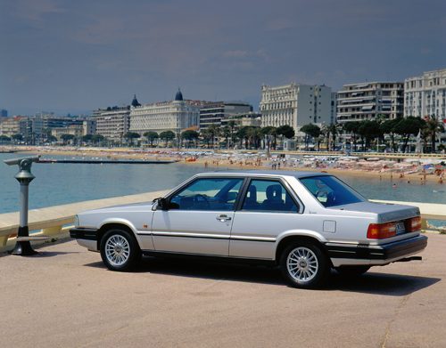 1985 - Volvo 780 at Cadran Solaire on Quai Rauba Capeu in Nice, France