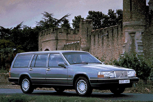 1990 - Volvo 960 Estate, somewhere in England?