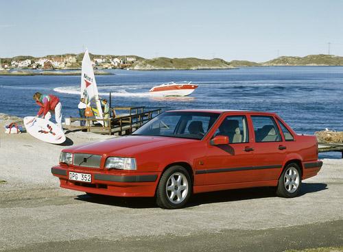 1991 - Volvo 850 near the coast north or south of Göteborg?