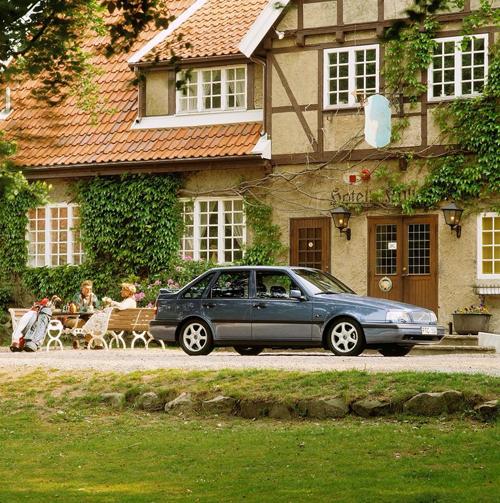1995 - Volvo 440 at Kullagårdens Wärdshus near Mölle Golfklubb on Italienska vägen in Mölle, Skåne, Sweden.