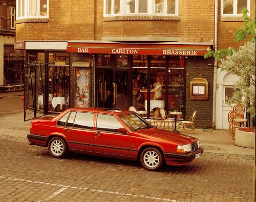 1995 - Volvo 940 at Cartons Brasserie on Rosengade 23 i Århus, Denmark