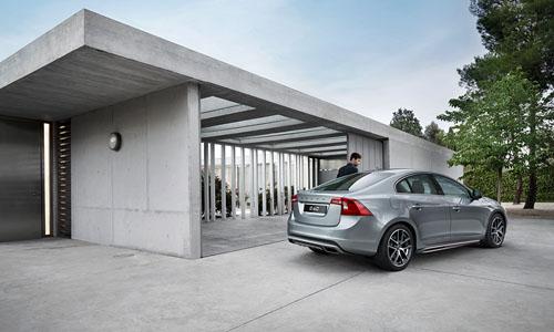 2014 - Volvo S60, somewhere in Hamburg, Germany? (by Thomas Motta)