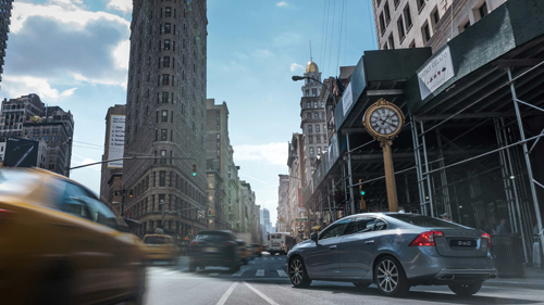 2016 - Volvo S60 Inscription at 5th Avenue and Madison Square Park in New York