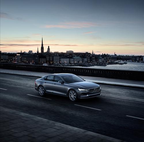 2016 - Volvo S90 at Katarinavägen in Stockholm