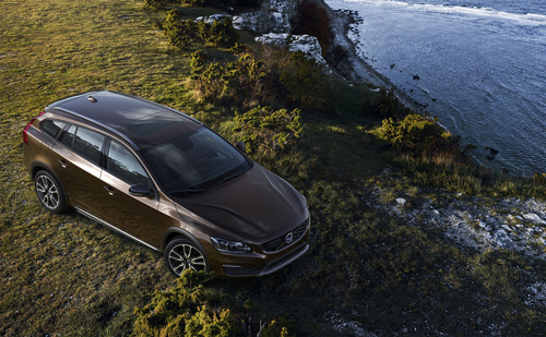 2016 - Volvo V60 Cross Country at Hallshuk on Gotland Sweden