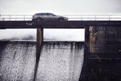 2016 - Volvo V90 Cross Country at Loch Leathann Dam in Portee Skye Scotland