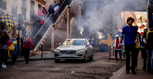 2016 - Volvo V90 at Rue Pierre-Semard in Rochechouart in Paris, France. Part of Volvo Cars' new V90 campaign features footballing legend Zlatan Ibrahimović.