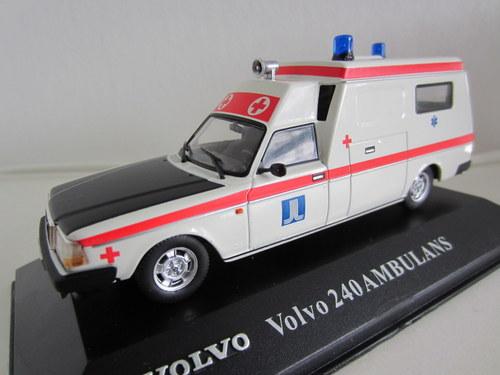056 - Volvo 240 Ambulans