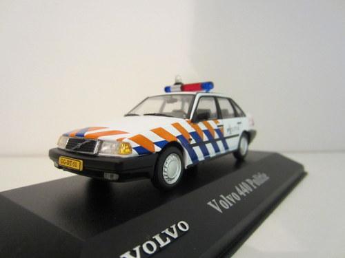 031 - Volvo 440 Politie