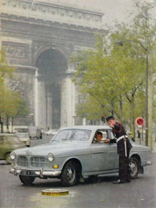 1965 - Volvo Amazon - Arc de Triomphe Paris France