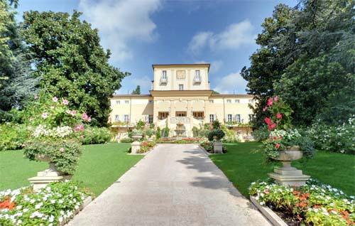 2013 - Byblos Art Hotel Villa Amista Hotel on Via Cedrare 78, 37029 Corrubbio in Verona, Italia