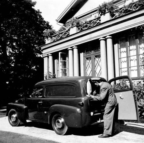 1954 - Volvo P445