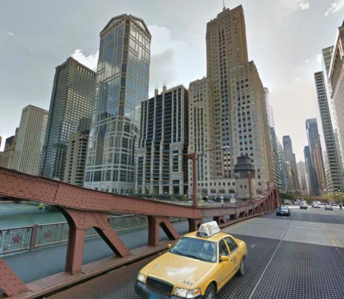 2013 - North La Salle Drive in Chicago USA (Google Streetview)