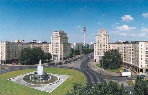 2013 - Strausberger Platz in Berlin