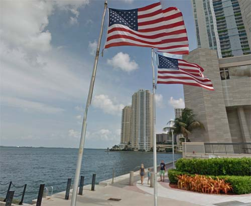 2013 - View from Chopin Plaza on Brickel Key Park in Miami, USA (Google Streetview)