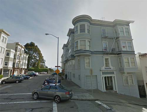 2013 - Montgomery Street (near GreenSt) in  San Francisco USA (Google Streetview)
