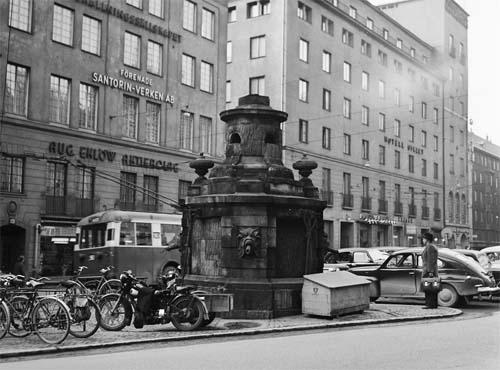 1952 - Brunkebergstorg in Stockholm (source: Stockholmskällan)