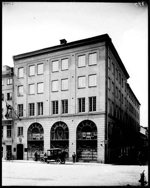 1908 - 1920 - Brunkebergstorg 11 in Stockholm (source. Stockholmskällan)