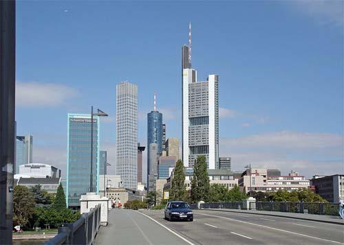 2006 - Untermainbrücke in Frankfurt (Wikipedia)
