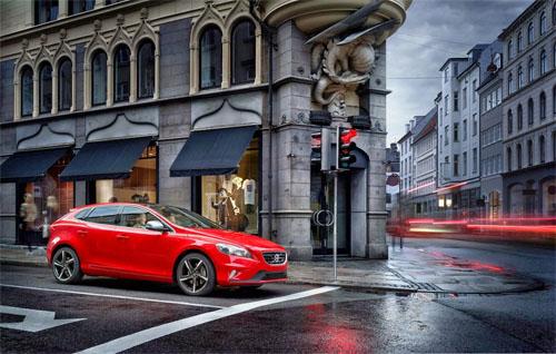 2014 - Volvo V40 R-Design