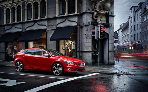 2016 - Volvo V40 R-Design