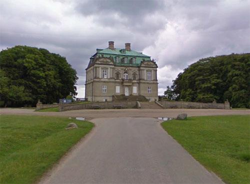 2013 - Eremitagesletten in Kongens Lyngby in  Danmark (Google Streetview)