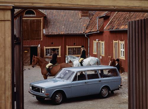 1972 - Volvo 145