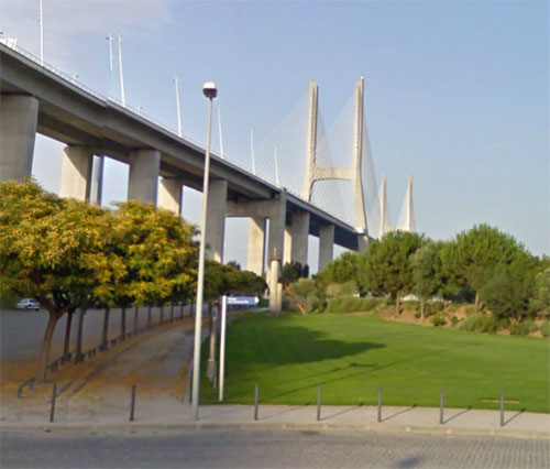 2014 - Vasco Da Gama Bridge in Lissabon, Portugal (Google Streetview)