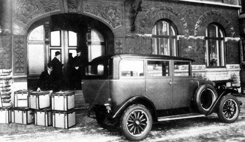1928 - Volvo PV4
