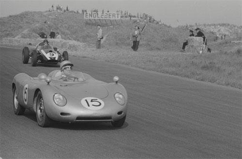 1959-Carel-Godin-de-Beaufort-drives-car-