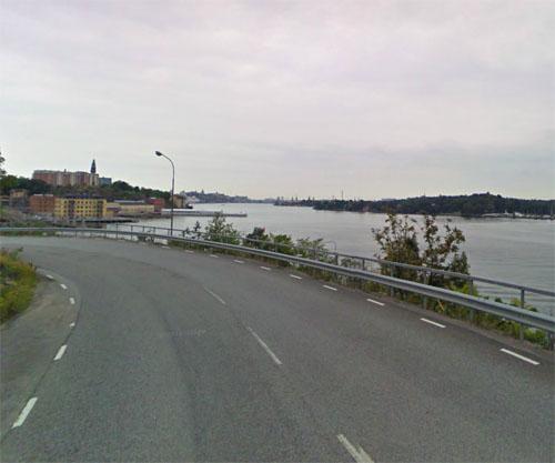 2015 - Kvarnholmsvägen in Stockholm (Google Streetview)