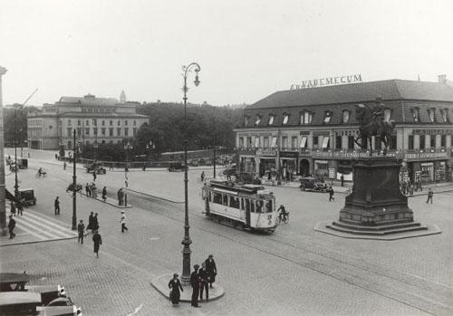 1930 - Kungsportsplatsen in Göteborg (Göteborgs Stadsmuseum)