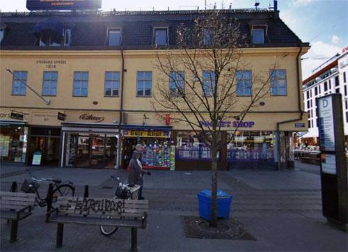 2016 - Kungsportsplatsen 2 in Göteborg (Hitta.se)