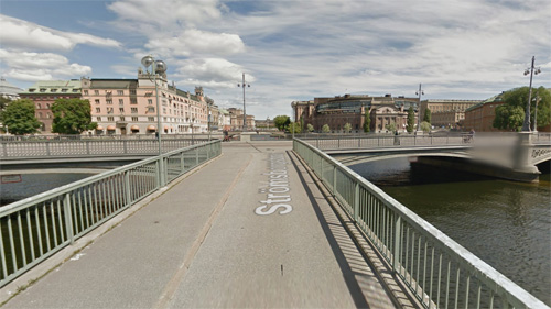 2016 - Strömsborgsbron in Stockholm (Google Streetview)