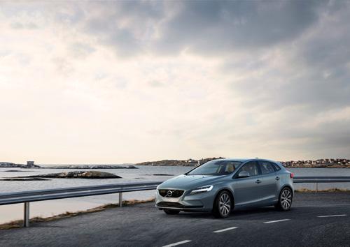 2016 - Volvo V40 T4 Momentum