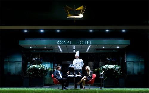 2016 - Royal Hotel 02