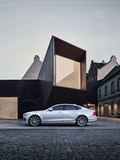 2016 - Volvo S90