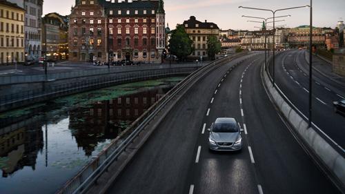 2016 - Volvo V40