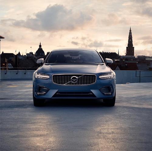 2016 - Volvo S90 R-Design