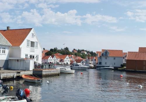 2016 - Sandsgata in Skudeneshavn (Google Streetview)