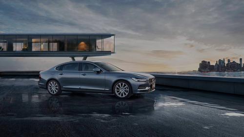 2016 - Volvo S90 in Brooklyn Bridge Park in New York, USA.