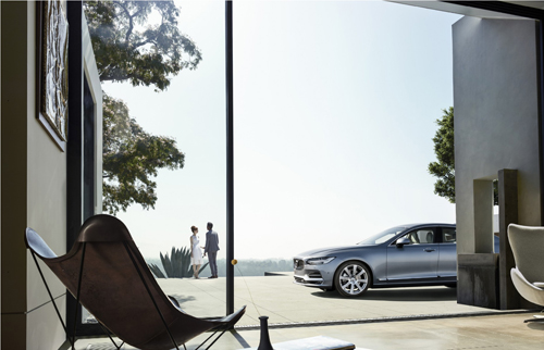 2016-volvo-s90-at-pasadena-house-02